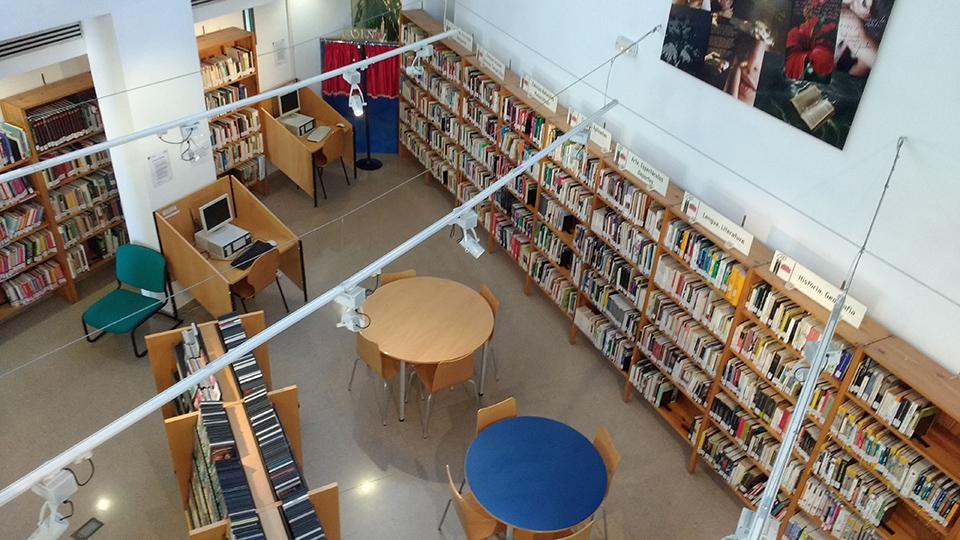 Resultado de imagen para Trueque de libros y taller de literatura en La Galería Plaza de la Paz